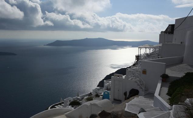 Greecephoto-essaysantoriniview-9112013-165136_horiz-large