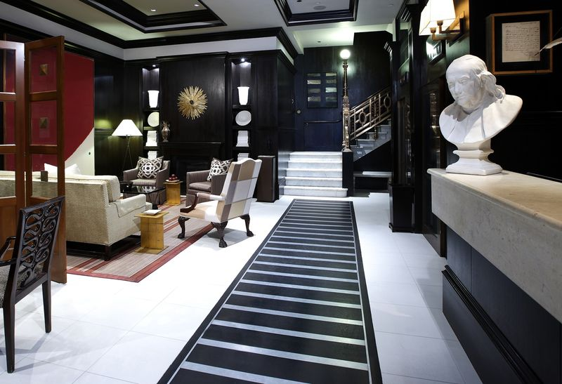 Lobby-pictures