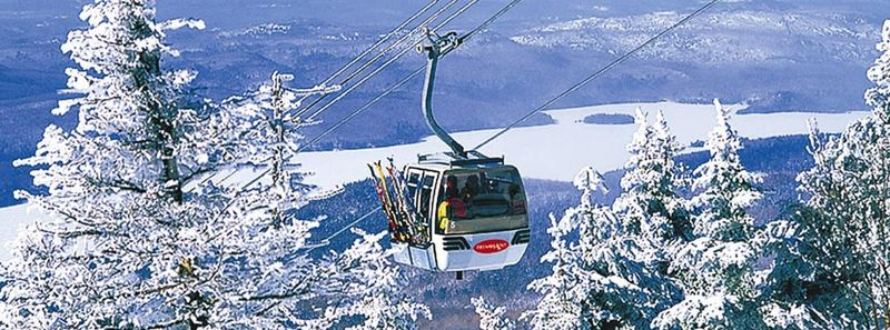 Tremblant_winter_gondola
