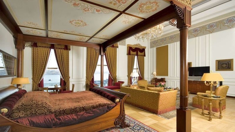 Sultan-Suite-Master-Bedroom