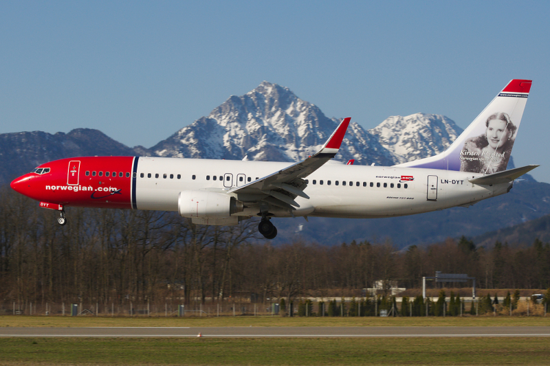 Norwegian_Air_Shuttle_in_Salzburg_with_Kirsten_Flagstad_on_tail